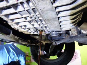 audi a6 2001 - vypúšťanie starého prevodového oleja